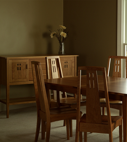 Made in America Easton Dining Set